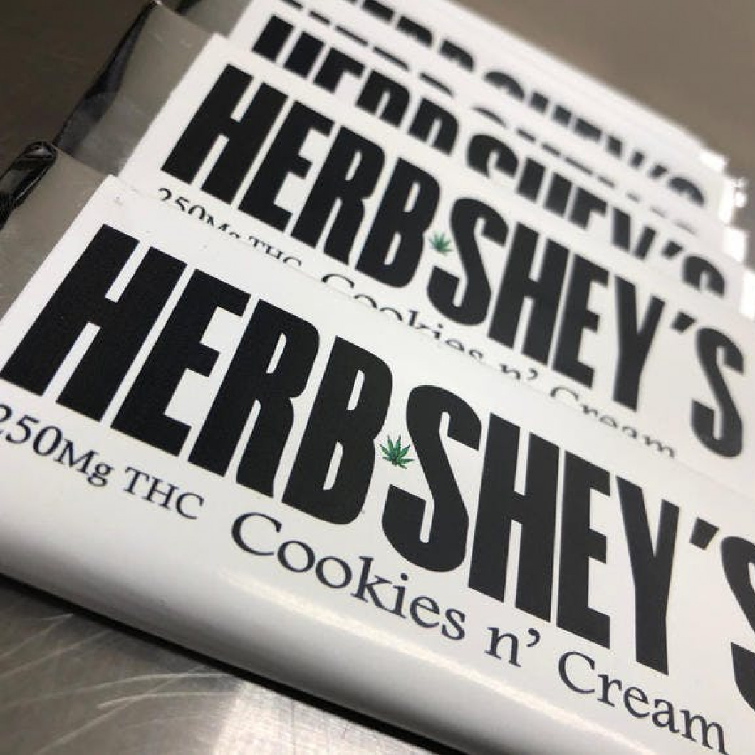 Cookies N' Cream Herbshey Bar - 250mg